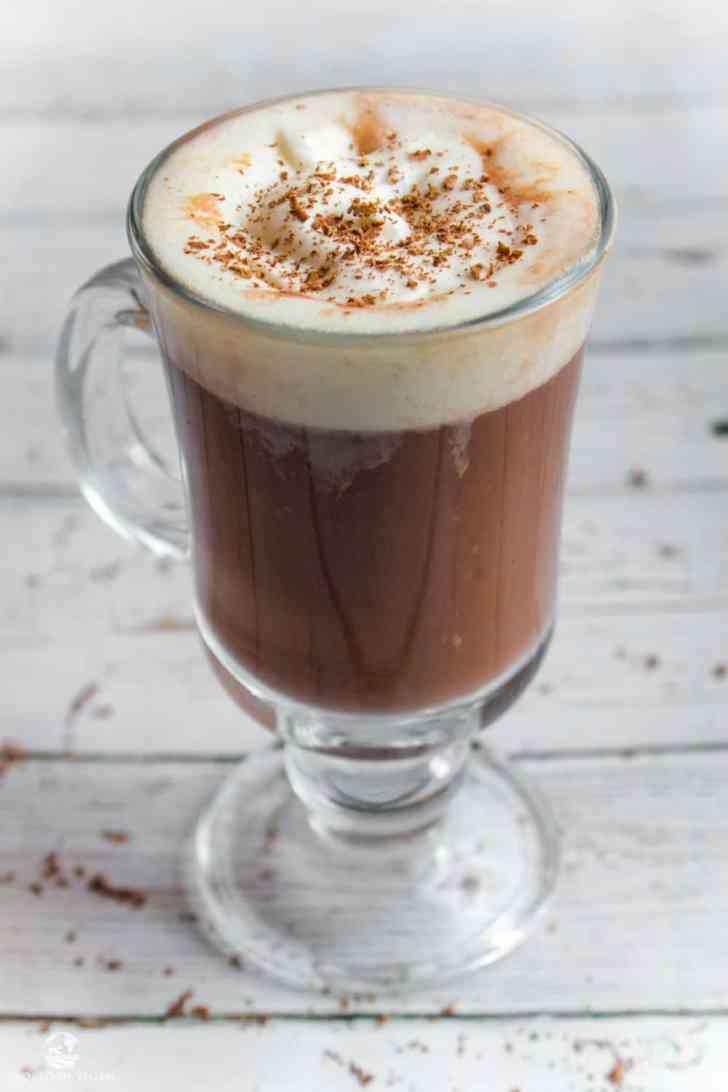 Vegan Peppermint Mocha | Starbucks Copycat Recipe | WorldofVegan.com | #vegan #mocha #drink #holiday #peppermint
