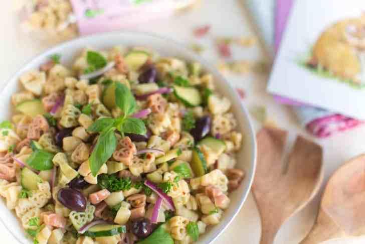 Easy Vegan Pasta Salad Perfect for Parties, Potlucks & Picnics   WorldofVegan.com #vegan #easter #bunny #pasta #picnic #potluck