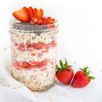 Strawberries & Cream Overnight Oats | WorldofVegan.com | #vegan #breakfast #healthy #vegetarian #oats