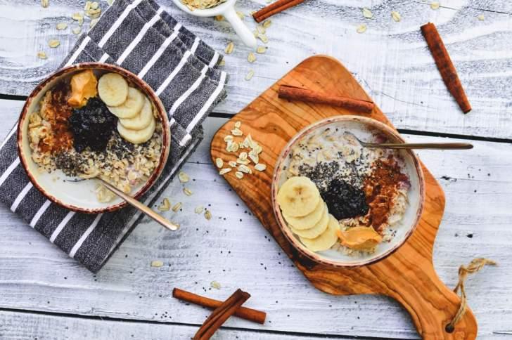 Oatmeal | Easy Vegan Breakfast Ideas | WorldofVegan.com
