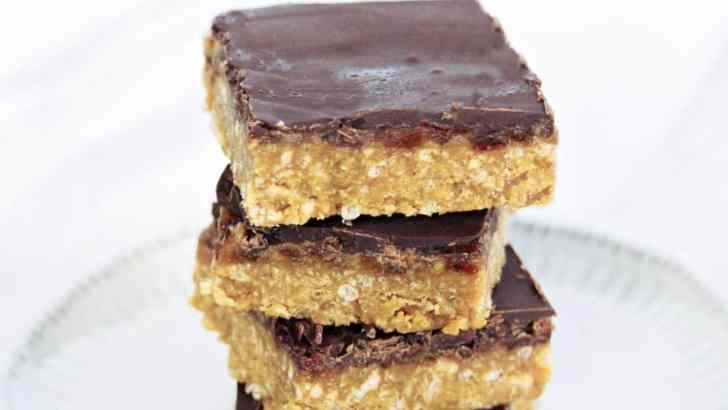 No-Bake Crispy Caramel Squares