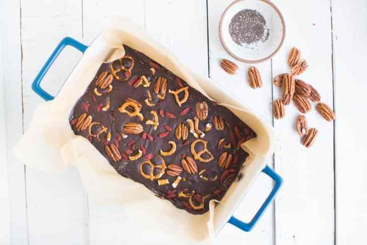 Superfood Dar Chocolate Bark with Pecans