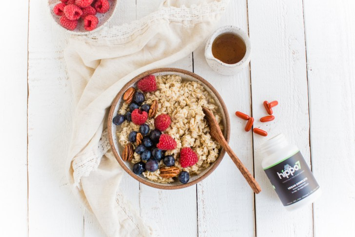 Hippo7 Vegan Vitamins With A Healthy Breakfast of Berry Oatmeal