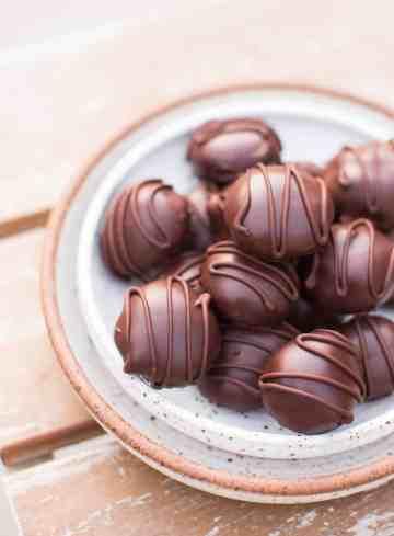 Chocolate Vegan Truffles with Liquor