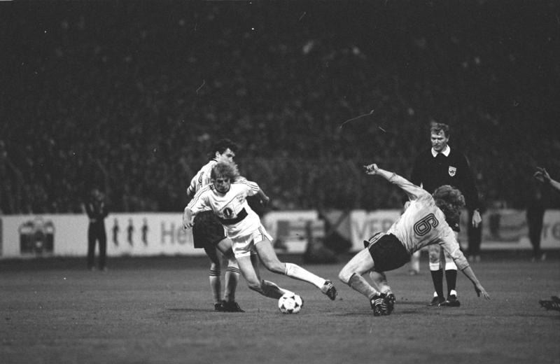 Jürgen Klinsmann in the UEFA Cup