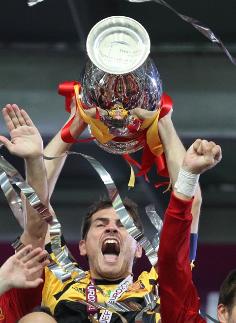 Iker Casillas Euro 2012 final trophy