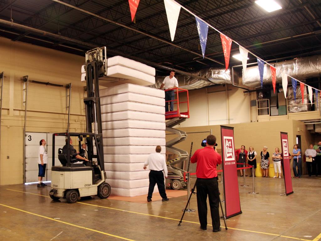 art van furniture breaks world record