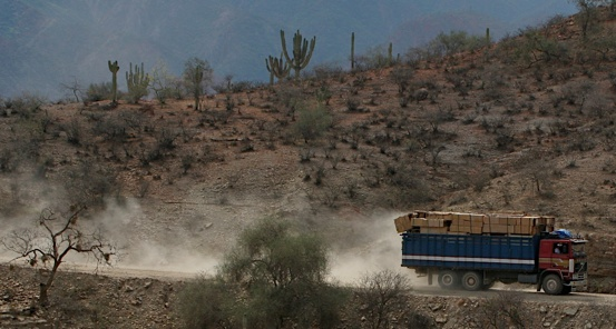 Dust Spewing Truck Bolivia-1