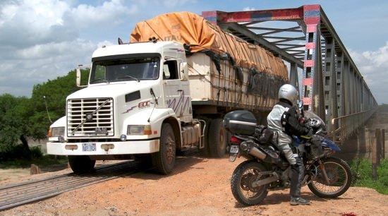 El Puente Allan Truck