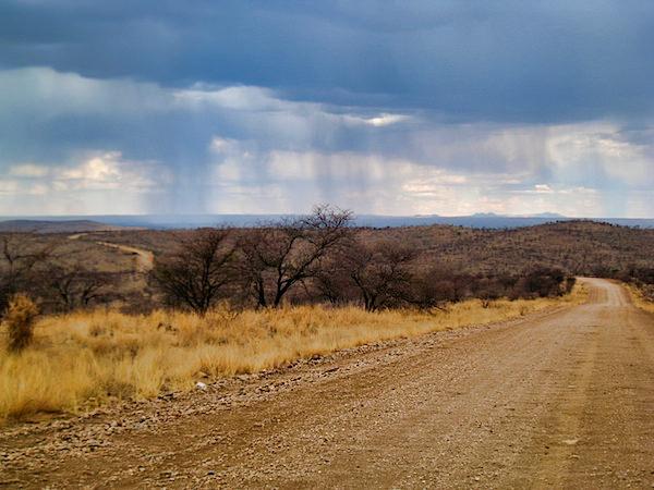 rain_coming2.jpg