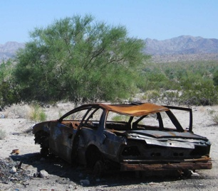 Rusted Car1-1