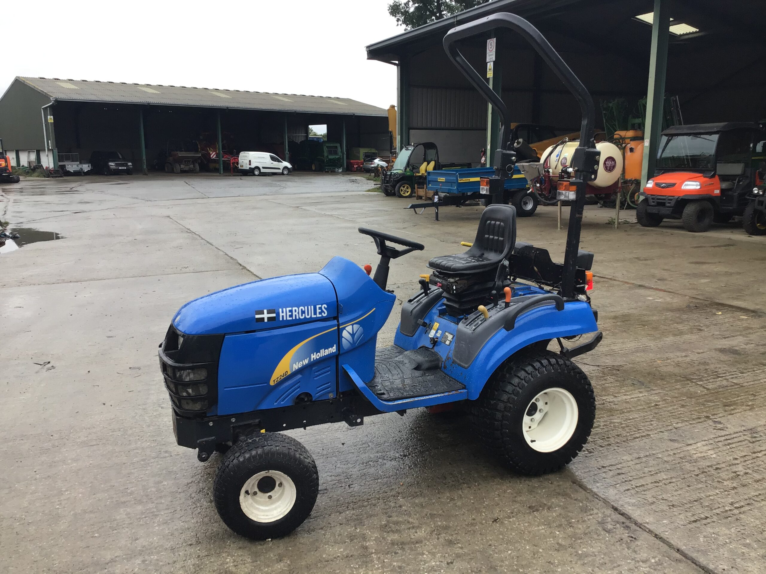 Not sure if you're looking for a new holland compact tractor or a kubota compact tractor? New Holland Tz24d Compact Tractor World Tractors