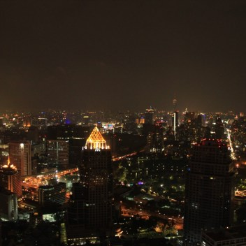 Moon Bar and Vertigo restaurant at Banyan Tree otel Bangkok
