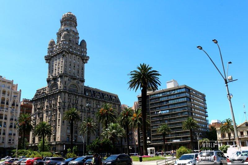 plaza independencia montevideo uruguay