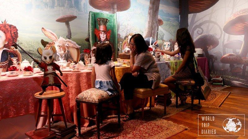 tea party alice wonderland