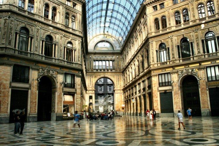 Galleria Umberto, Naples