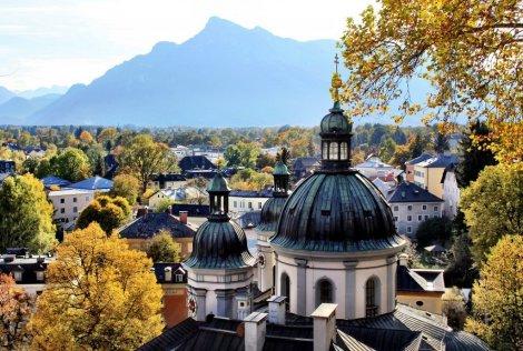 View from Nonnburg to Untersburg, Salzburg
