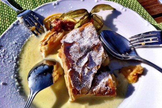 Apple strudel with vanilla sauce - Salzburg