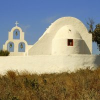 Greece: Wandering off-the-beaten-path in Santorini