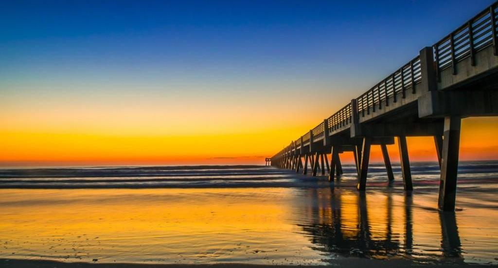 Jacksonville Pier Photo by Pon Xayavong via Trover