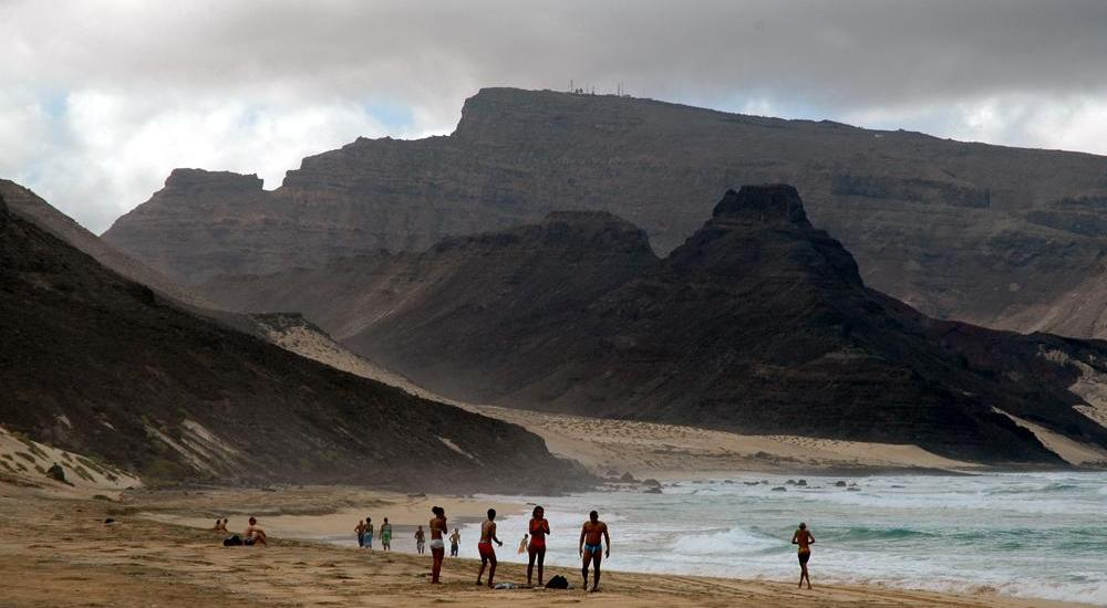 Calhau beach, Cape Verde - photo by Henryk Kotowski