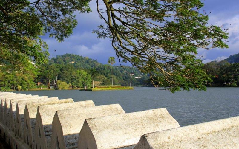 Kandy Lake walk Sri Lanka