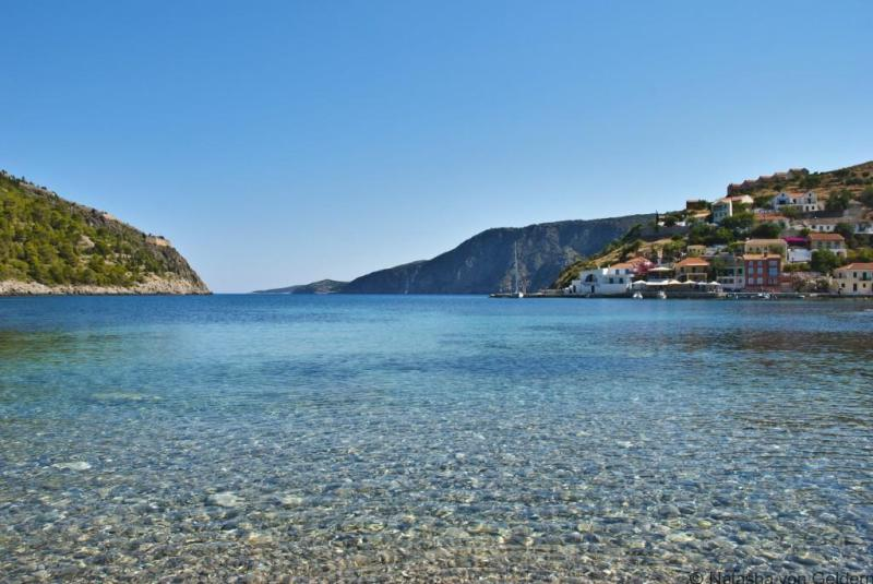 The_clear_water,_Kefalonia