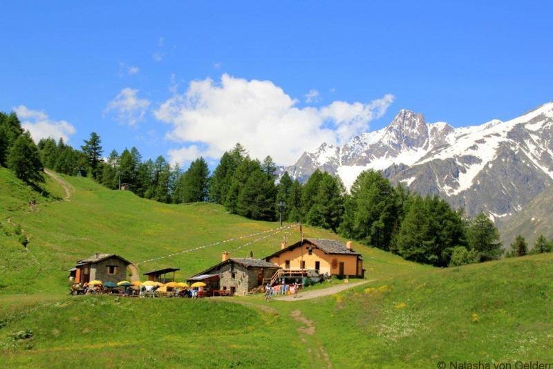 Rifugio Vielle Tour du Mt Blanc Courmayeur to Elisabetta web