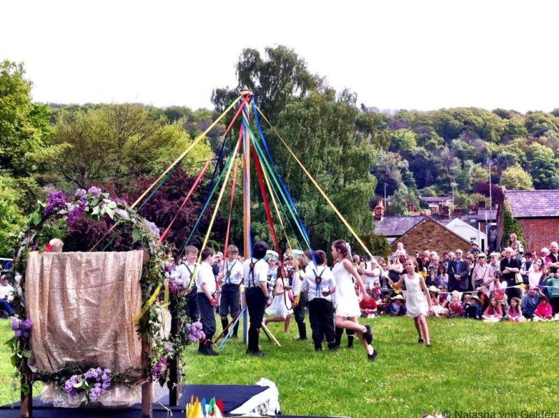 may-pole-dancing-in-england-web