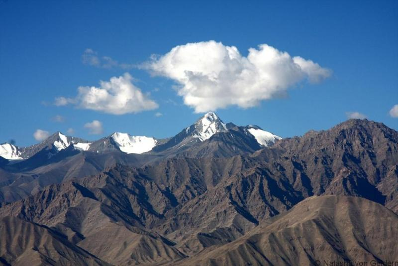 stok-range-ladakh-photo-by-gonzalo-saenz-de-santa-maria-poullet-via-the-creative-commons-license