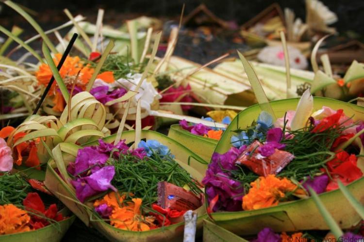 balis-exquisite-religious-offerings