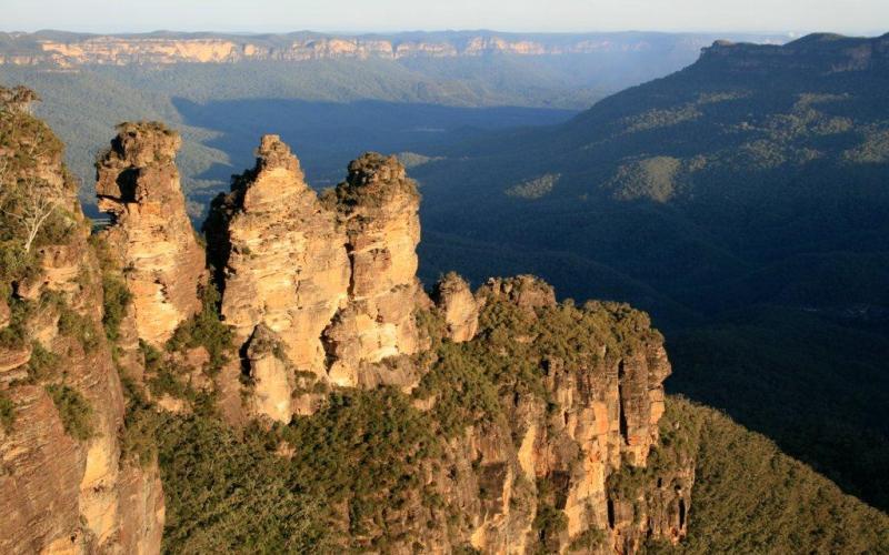 blue-mountains-three-sisters-viewpoint-australia