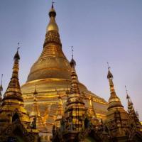 Myanmar: Visiting the Schwedagon Pagoda
