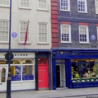 Wandering with Handel & Hendrix in London