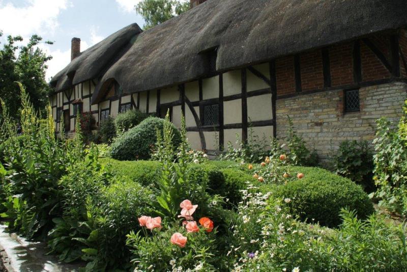 Anne Hathaway's Cottage Stratford Upon Avon England