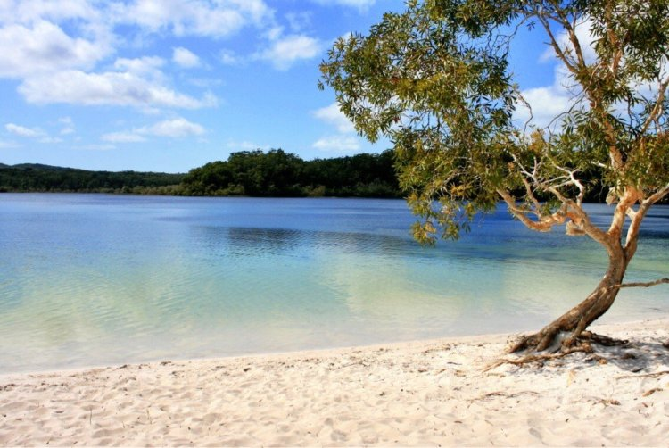 Lake McKenzie Fraser island Australia