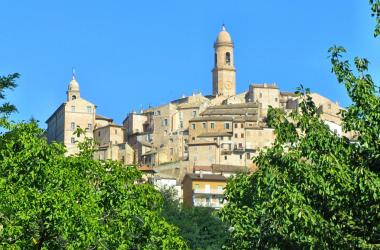 Village of Petritoli Val d'Aso Le Marche Italy Photo by Bruce Nixon