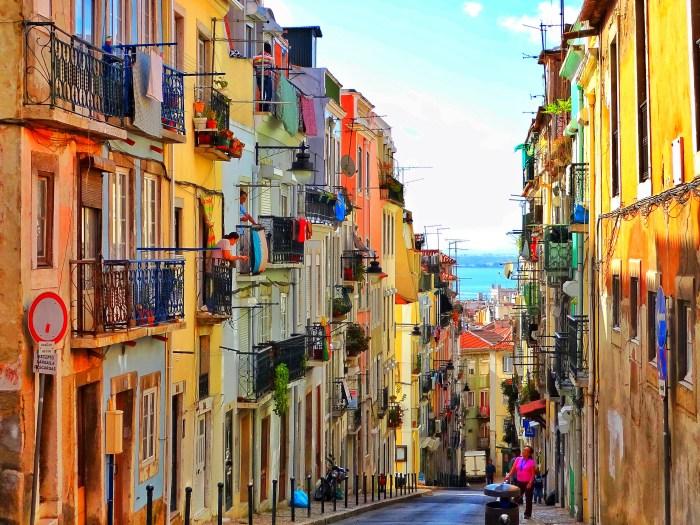 Lisbon streetlife