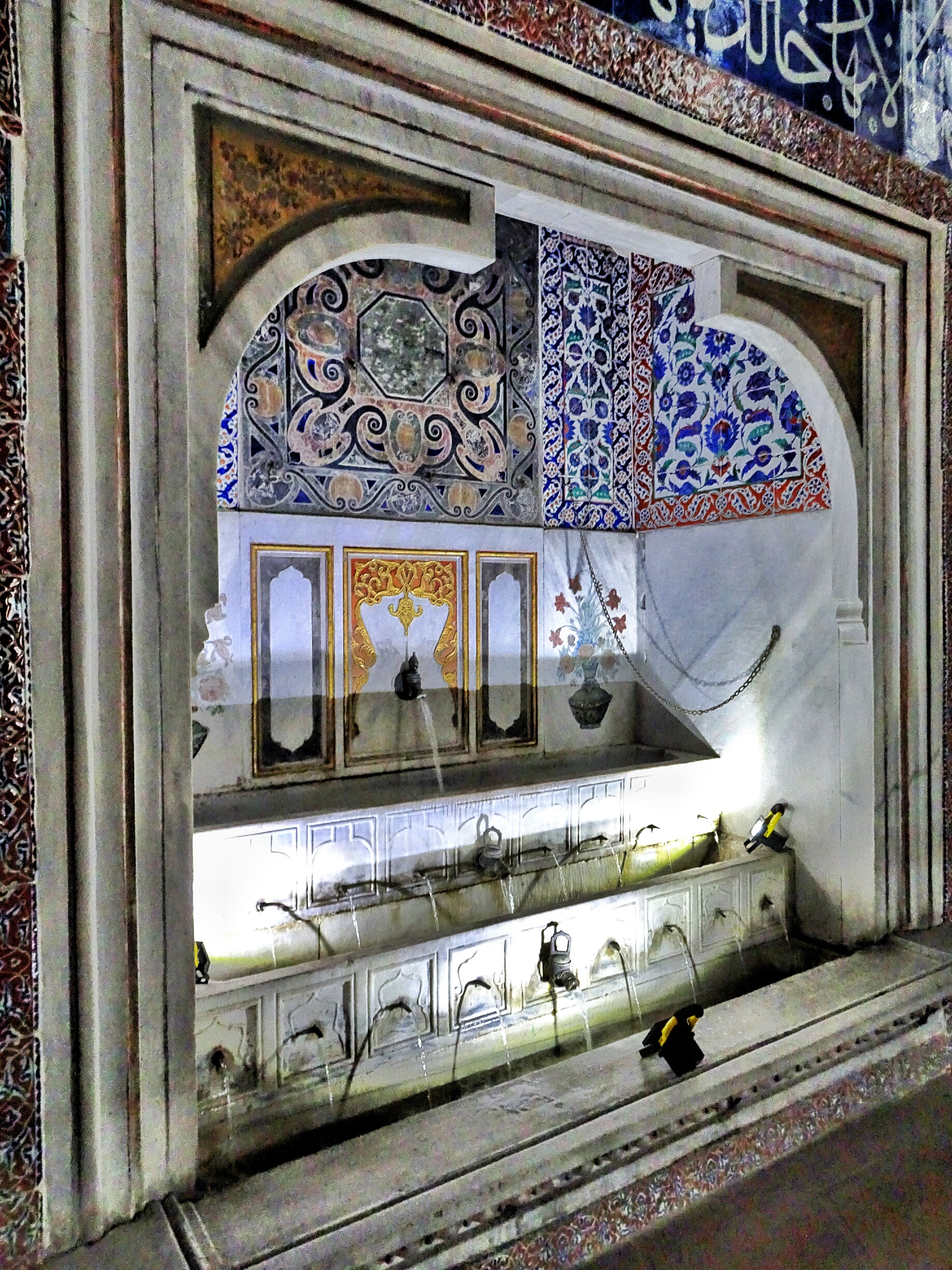 The Topkapi Palace And Its Harem The Sultan S Heaven On