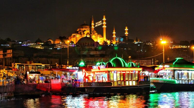 Istanbul by night Suleymaniye Mosque