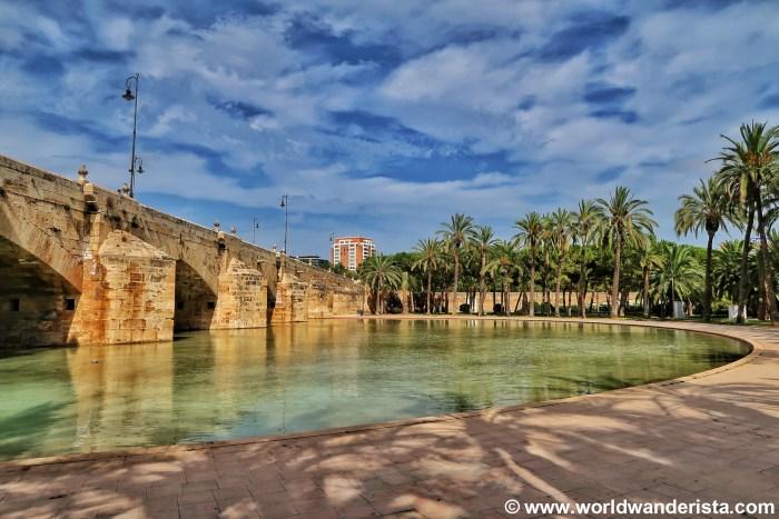 Valencia neighbourhood guide world wanderista - Jardin del turia valencia ...