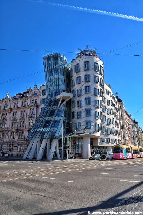 Prague bucket list dancing house