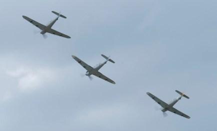 Messerschmitt 109 patrol Flying Legends 2015 - 01