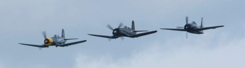 Vought F4U Corsair D-FCOR & D-FGID & Grumman F8F-2P Bearcat G-RUMM Flying Legends 2015
