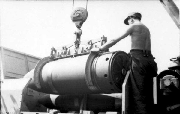 Heavy mortar Karl Gerat VI Ziu Warsaw Uprising 1944 shell ...