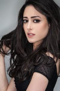 mona yousefi