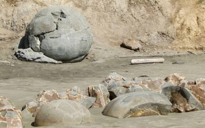 The Mystery of the Moeraki Boulders