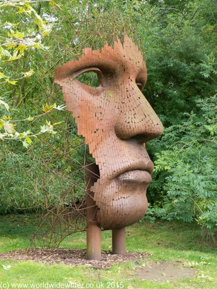 Vertical Face II, at the Burghley Sculpture Garden - www.worldwidewriter.co.uk