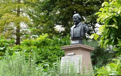 Discovering the City of Dickens and Shakespeare with a London Walks Tour