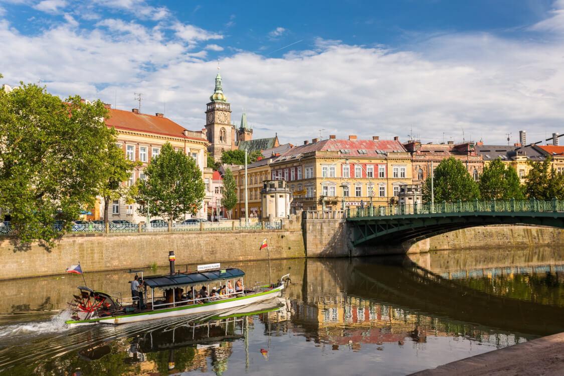 Wie is de Mol locaties 2021 Tsjechie Hradec Kralove